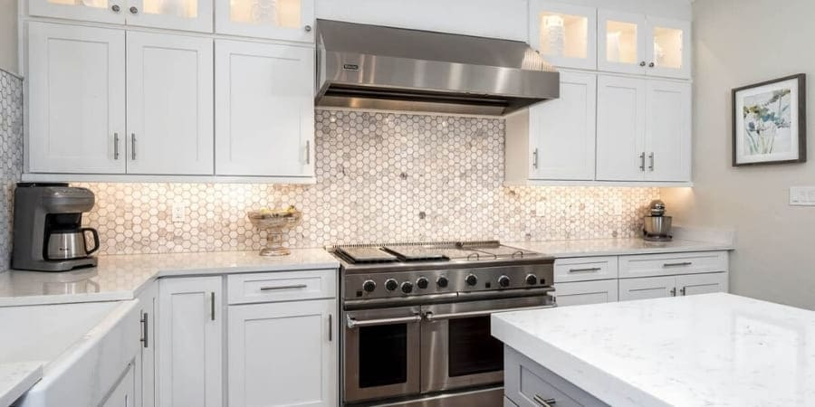 How to Choose Kitchen Cabinet Hardware for Your Gainesville Home | Robinson Renovations & Custom Homes, Inc.